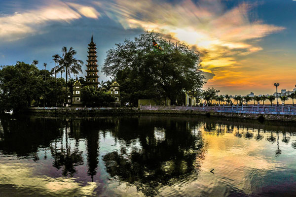 hanoi attractions - tran quoc pagoda
