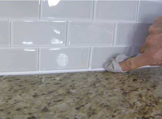 kitchen tile backsplash countertop