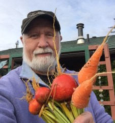 2017 Bill Hanson with Carrots and Golden Beets from Box Beds