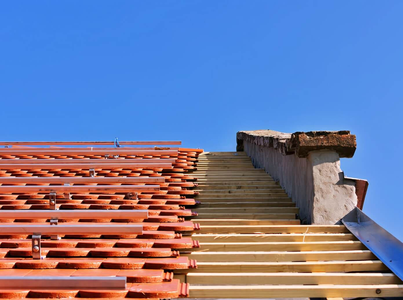 solid clay tile roofing installation