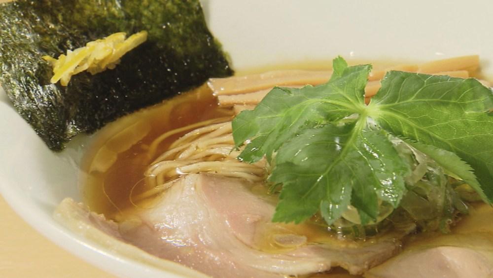 透き通る精湯スープ!鶏のうまみたっぷりのラーメン
