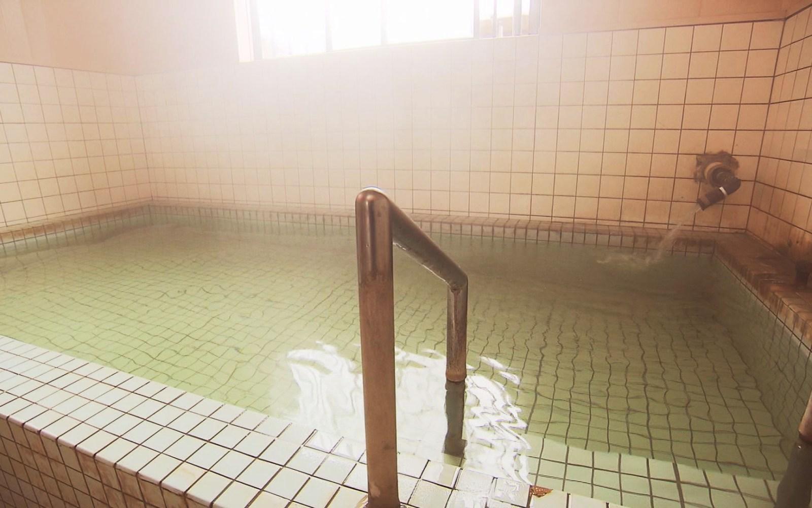 つるつる肌になる!?「細野・相沢温泉 山の湯」