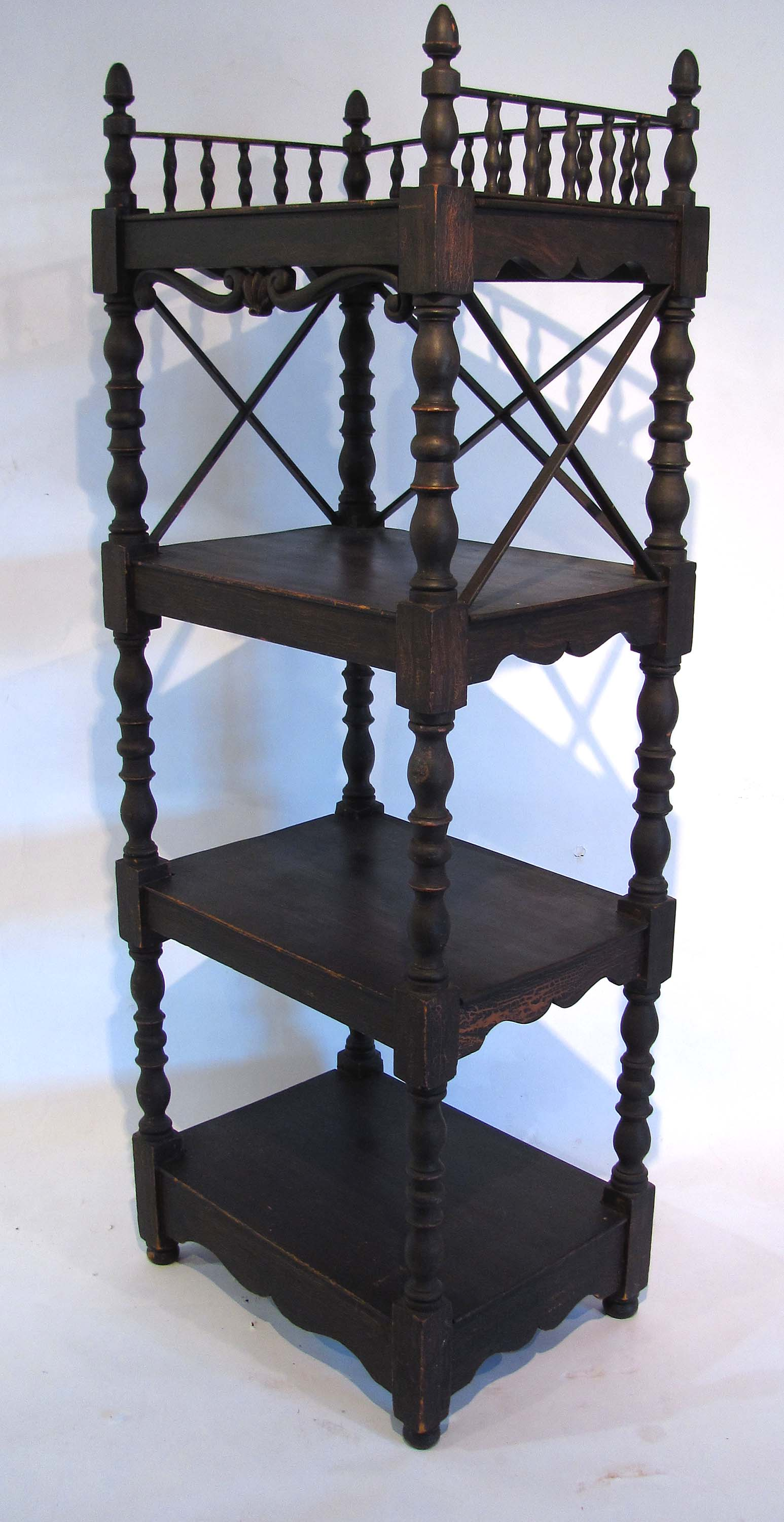 antique windsor chair green bungee ../09/10/16.antiques.html