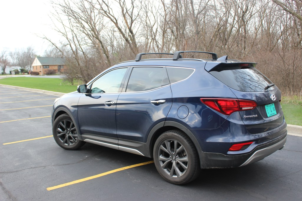 2017 hyundai santa fe sport 2 0t the perfect family car. Black Bedroom Furniture Sets. Home Design Ideas