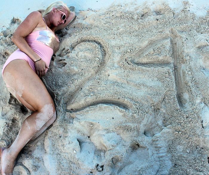 Beach Maternity Photos and 24 Week Bump Update