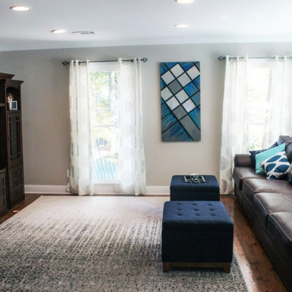 Simple Living Room Decor