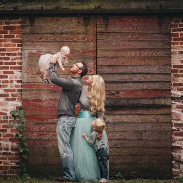 Fall Family Photos Mint Color Scheme Barn Door