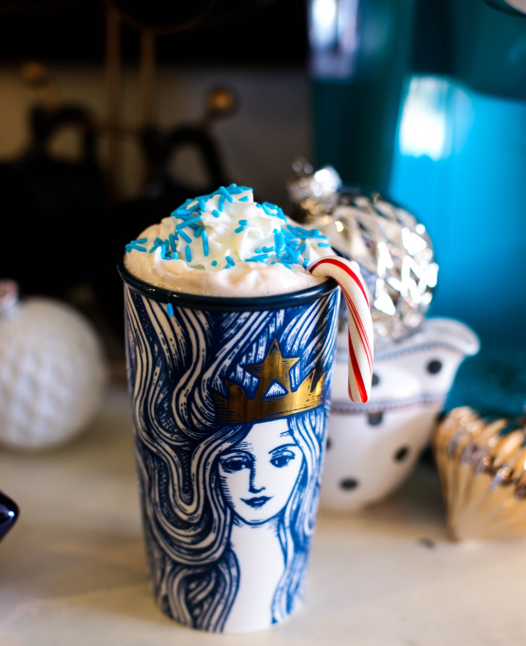 starbucks coffee - Starbucks Christmas Coffee Bar by Atlanta style blogger Happily Hughes