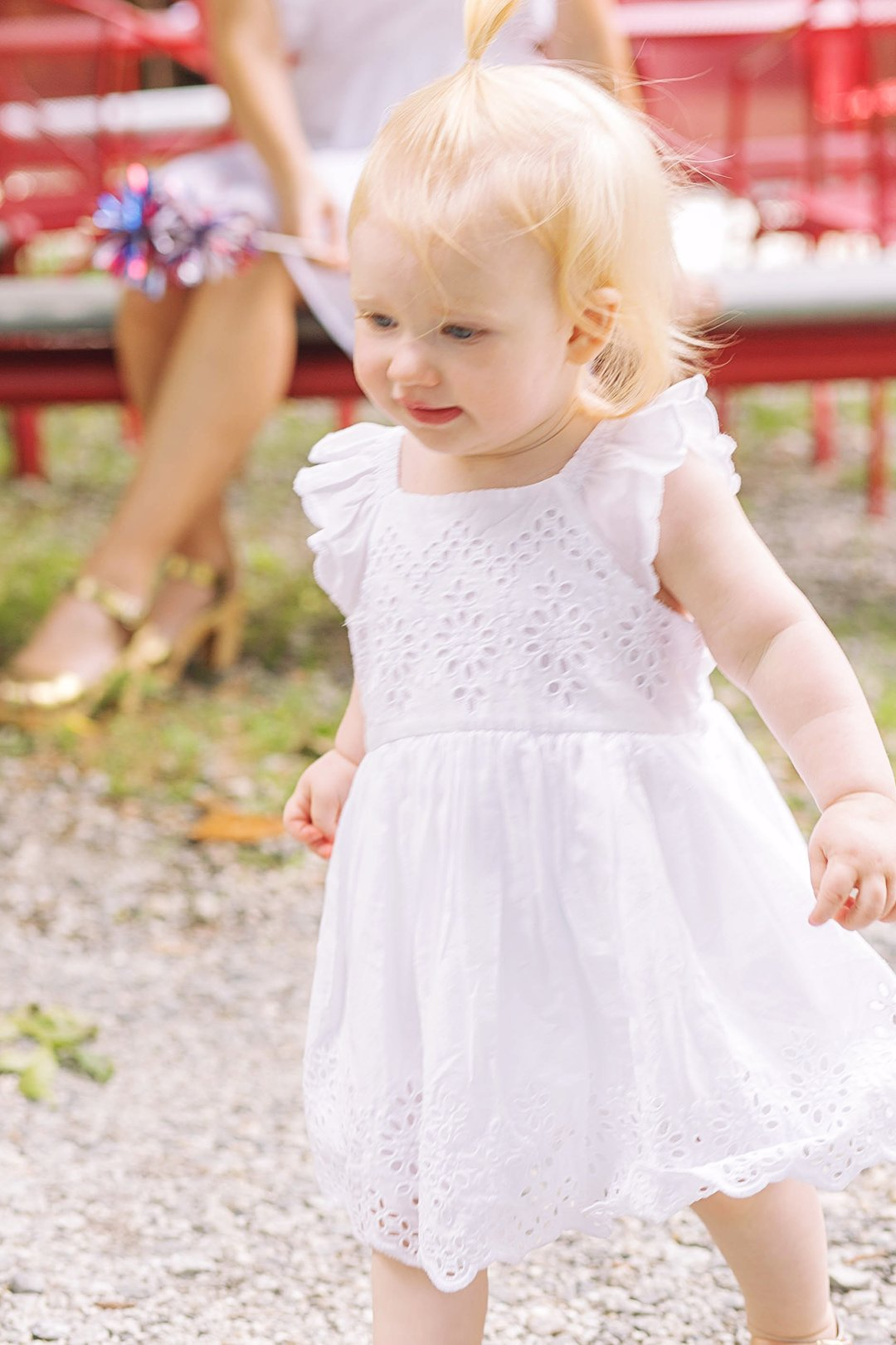 A Day in the Life of a Mommy Blogger by popular blogger Jessica of Happily Hughes