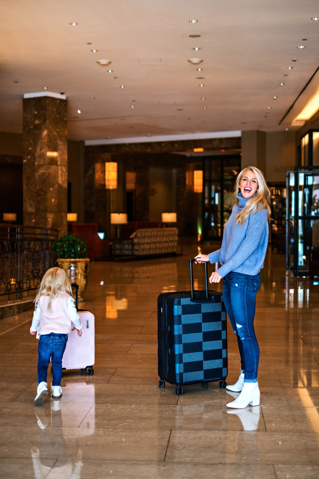 Heading to Boston soon? Popular Atlanta Blogger Happily Hughes is sharing where to stay, eat, see and do with her Family Boston Travel Guide here!
