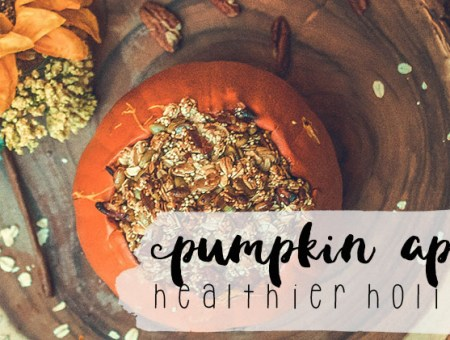 Pumpkin Apple Crisp (a healthier holiday recipe) | read more at happilythehicks.com