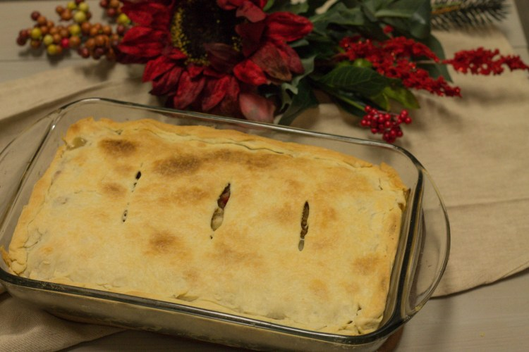 Turkey Pot Pie - Holiday Recipe Series | read more at happilythehicks.com
