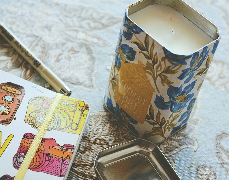 """Mi consejo: hagan un """"casting"""" de velas. Elijan una que venga en un recipiente que les guste y los haga felices, que tenga un perfume que resuene con ustedes."""