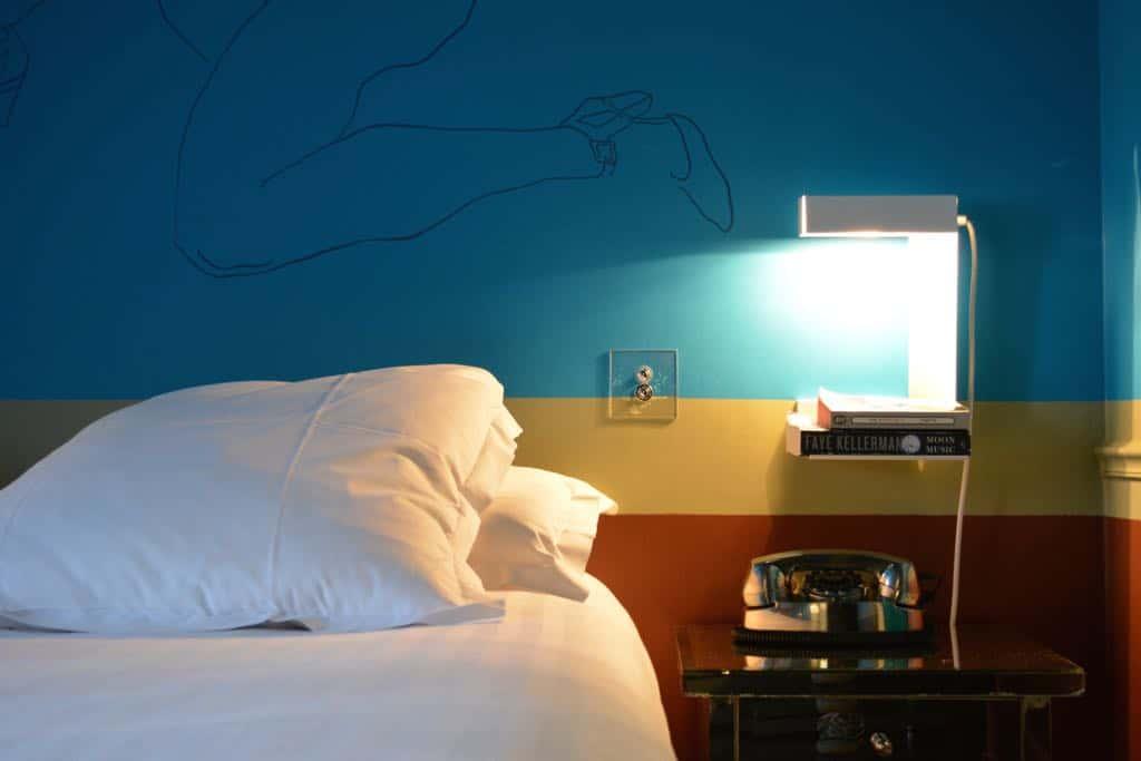 Hotel Crayon bed