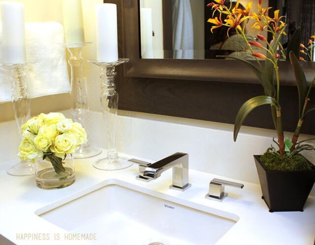 Bathroom with Delta Faucet at the 2014 HGTV Dream Home