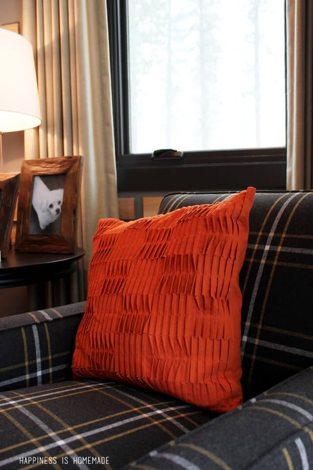 Layers of Cozy Texture at the 2014 HGTV Dream Home