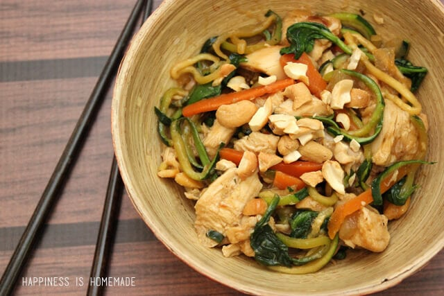Spiralized Zucchini Noodle Stir Fry with Cashews and Chicken