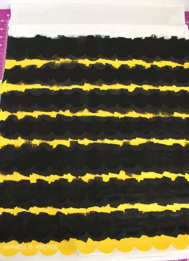Painting Scallop Stripes on Fabric