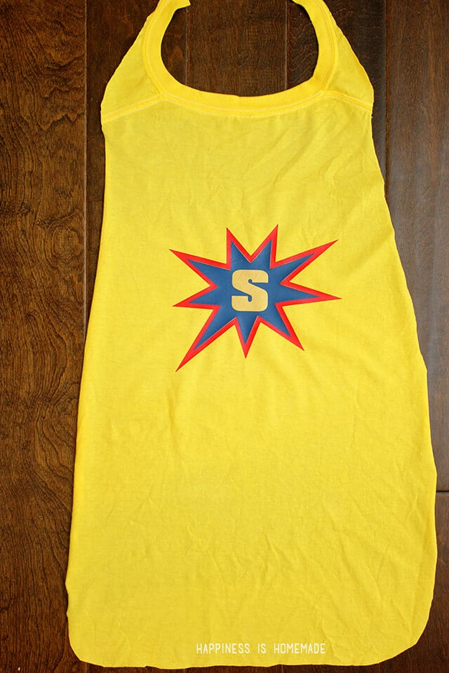No Sew Super Hero Cape from a T Shirt