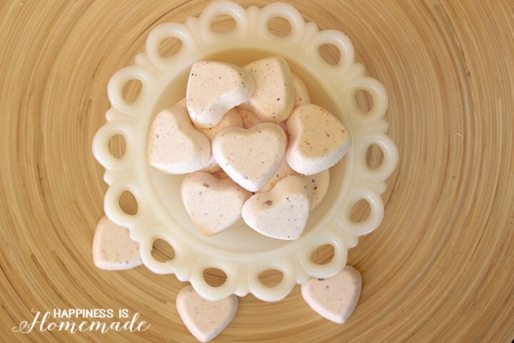 Easy DIY Gift Idea - Fizzy Bath Bombs