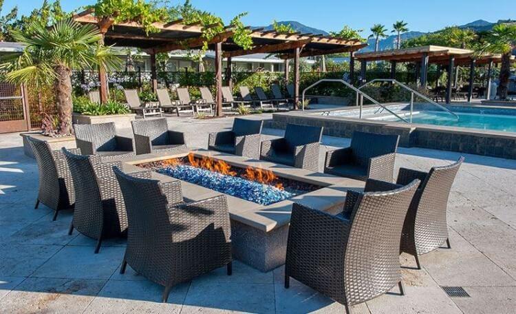 calistoga-spa-hot-springs-patio