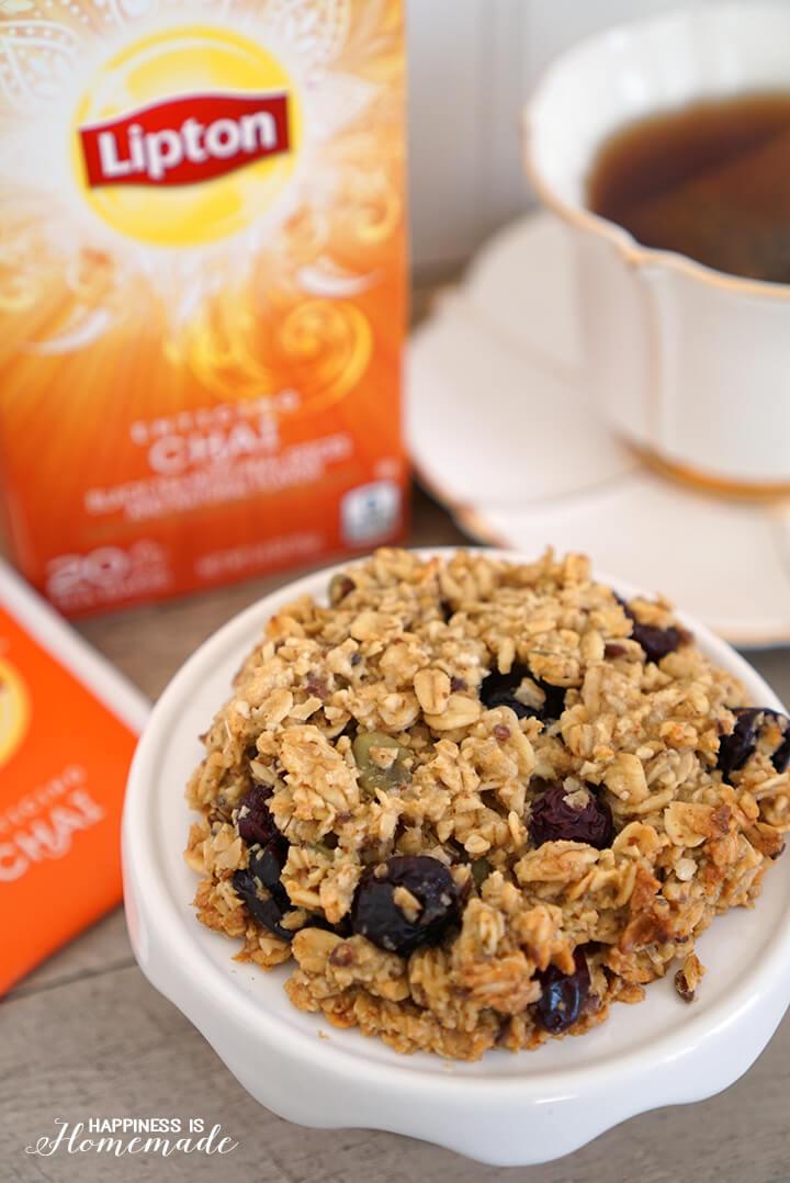 Vanilla Chai Breakfast Cookies with Berries