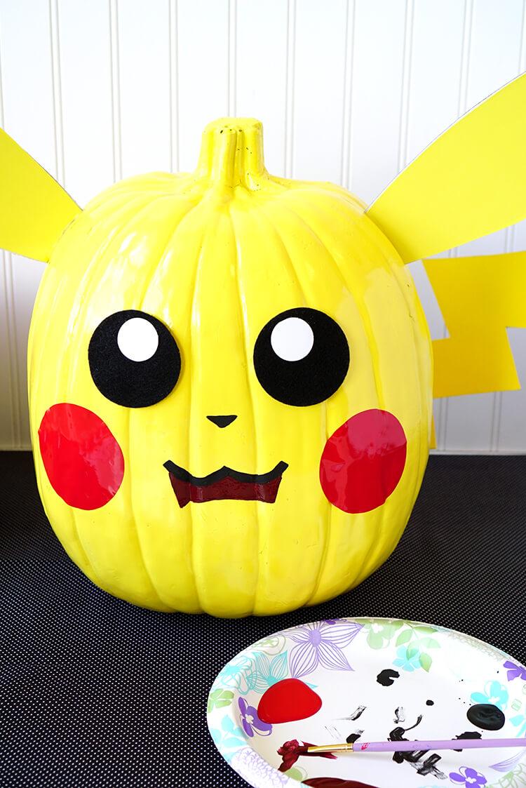 painting-a-pokemon-pikachu-pumpkin