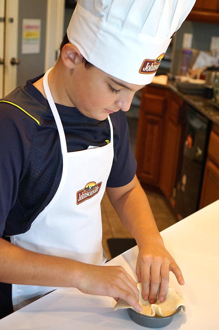 making-deep-dish-breakfast-pizzas