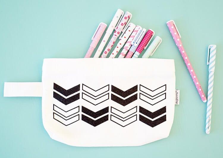 glitter-htv-arrow-pencil-pouch