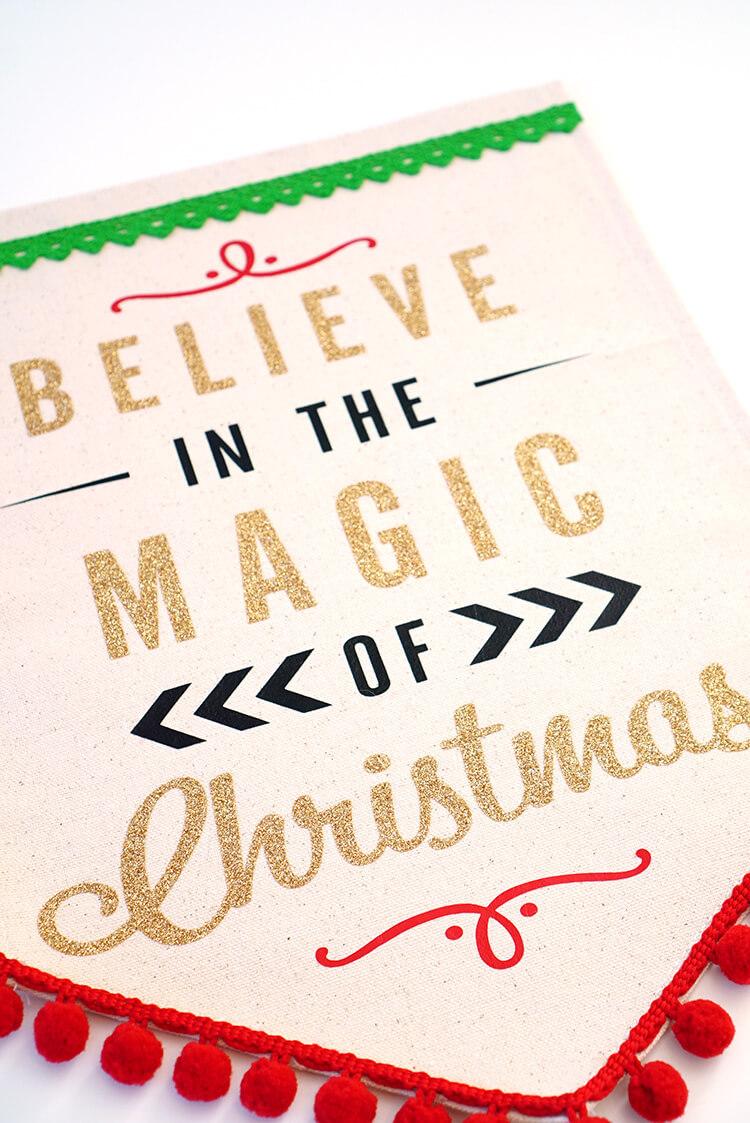how-to-make-a-htv-christmas-banner-sign