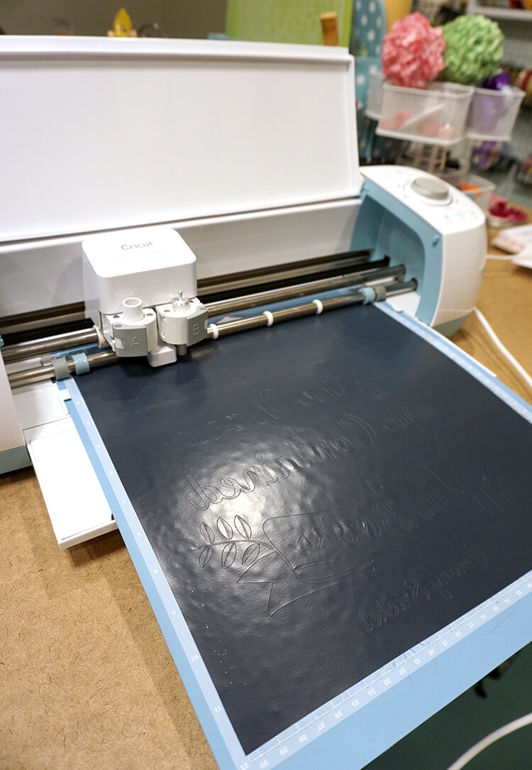 cutting-heat-transfer-vinyl-with-the-cricut-explore-air