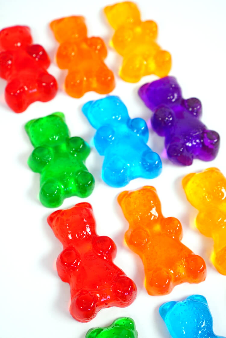 Quick and easy gummy bear shower jelly soaps make a great homemade gift idea! Make your own DIY Lush shower jellies in fun shapes, colors, and fragrances!