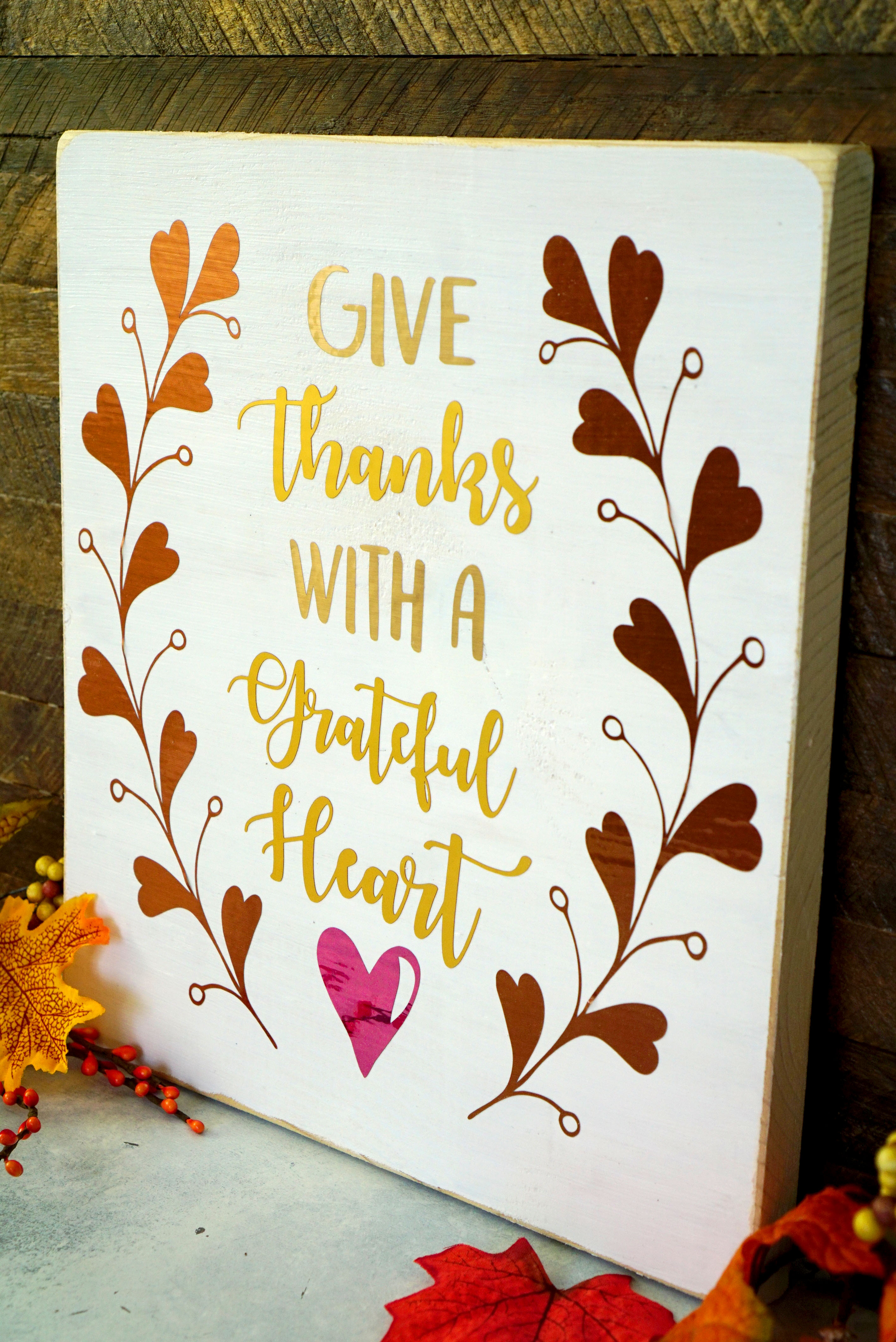 """Make quick and easy DIY fall decor using our """"Give Thanks with a Grateful Heart"""" autumn SVG cut file! Would also be great on clothing, journals, & more!"""