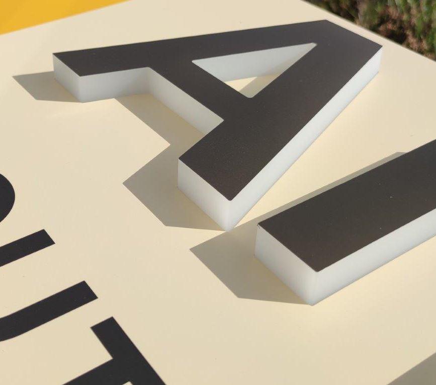 Enseigne lettres plexiglas lumineuses LED sur bandeau en aluminium ANACOURS SOUTIEN SCOLAIRE ARRAS Happy Light Enseignes