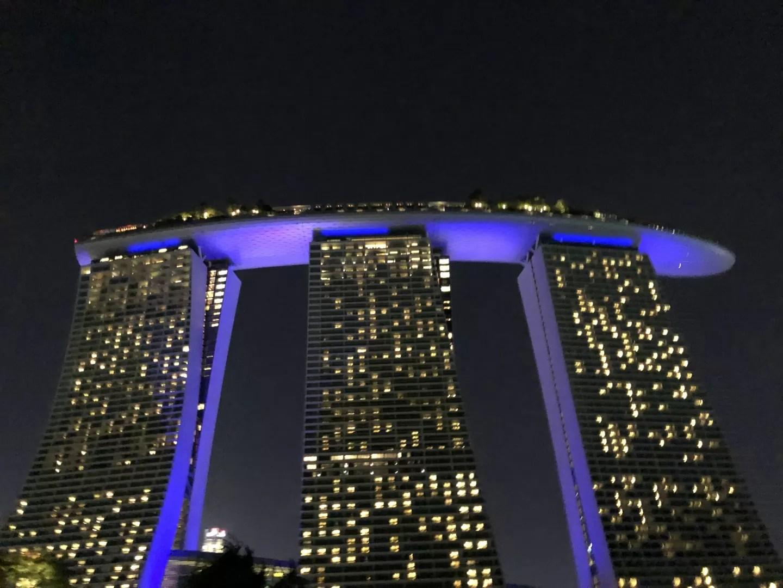 マリーナベイサンズの展望台(最上階57階)に実質無料で行く方法〜CE LA VI(セラヴィ)ラウンジ~