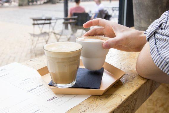 happy acorn koffie latte
