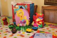 FREE Sesame Street Birthday Party Decorations - Happy and ...