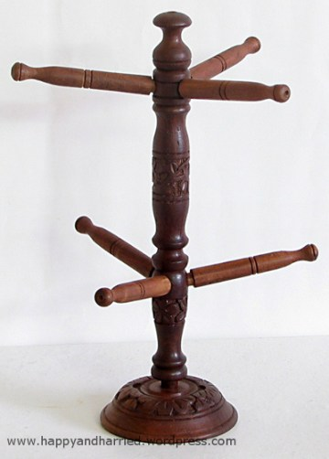 bangle holder 1