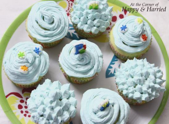 Vanilla Cupcake with Buttercream Frosting 4