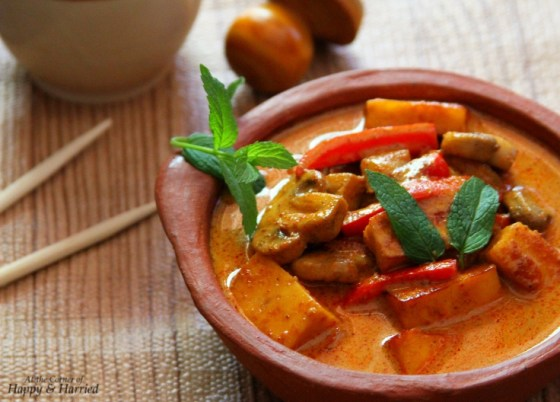 Thai Massaman Curry {With Mushroom, Peppers, Eggplant ...