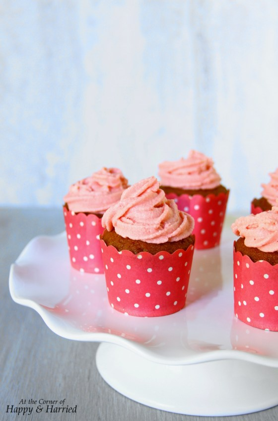 Strawberry Cupcakes & Strawberry Buttercream Frosting