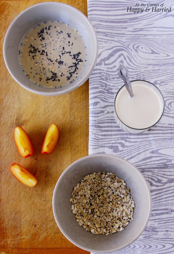 Oats, Quinoa And Sabja Seeds Breakfast Bowl
