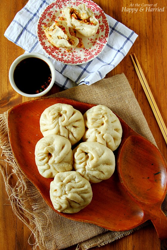 BAOZI {Chinese Steamed Meat Filled Buns}