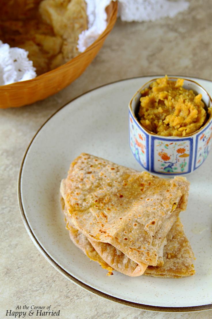 Atta Puran Poli {Sweet Lentil Stuffed Wholewheat Flatbreads}