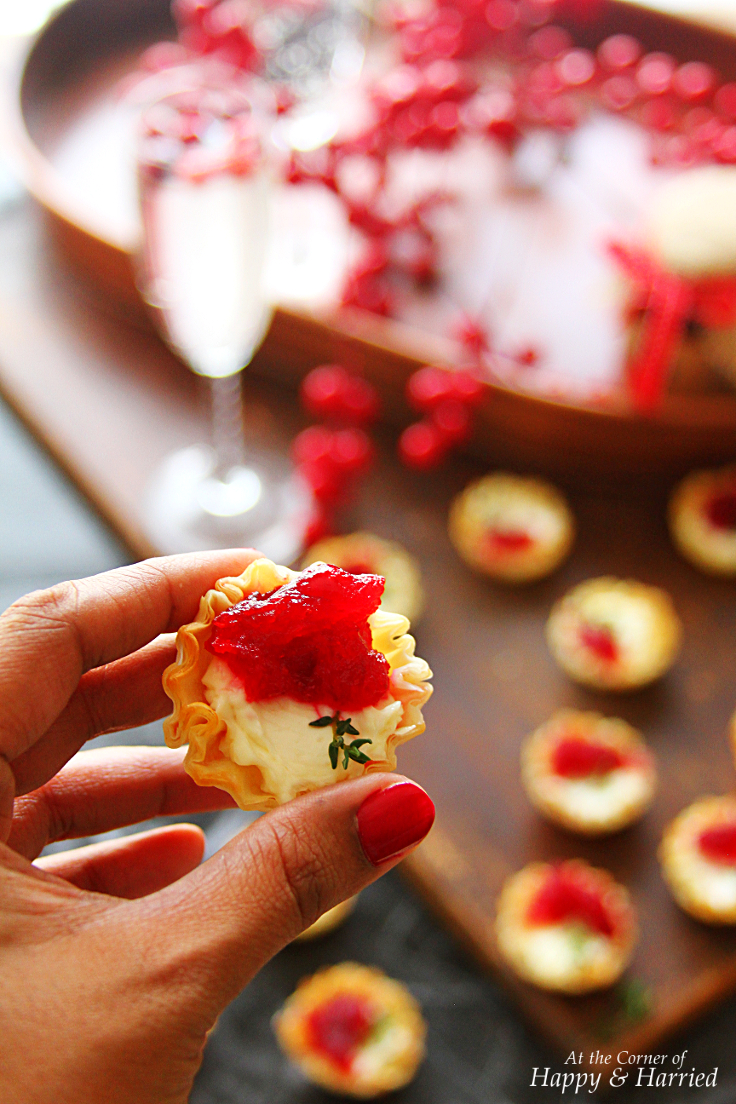 Cranberry & Cream Cheese Mini Phyllo Bites {Christmas Party Appetizers ...
