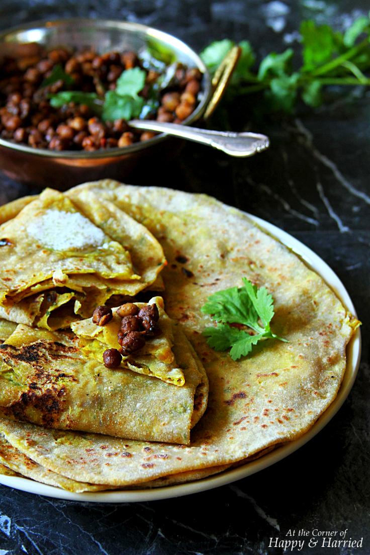 Aloo Paratha {Indian Potato Stuffed Flatbreads}