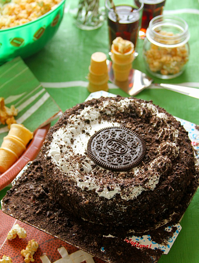 Cinnamon Sugar Popcorn & Ice Cream Cakes: A No-Fuss Game Day Combo