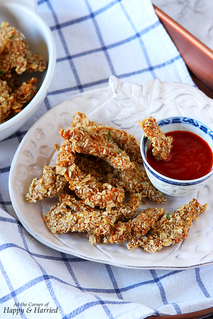 SUPER CRUNCHY OAT CRUSTED CHICKEN STRIPS - HAPPY&HARRIED