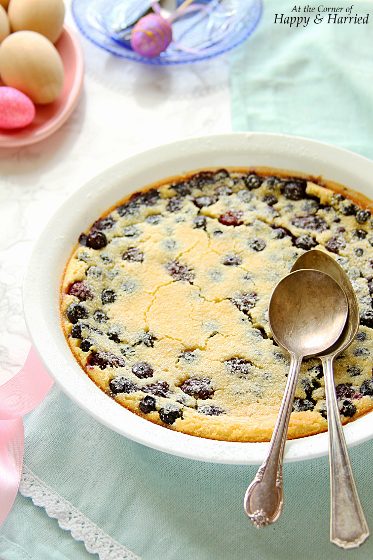 BLUEBERRY & BLACKBERRY CLAFOUTIS {BAKED FRENCH FRUIT CUSTARD} - HAPPY&HARRIED
