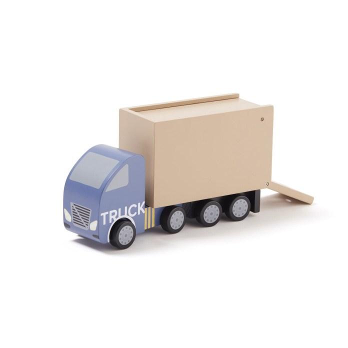 Mit dem Truck von Kid's Concept lassen sich Puppenmöbel und kleine Autos transportieren. Ab 42 Euro. www.kidsconcept.com